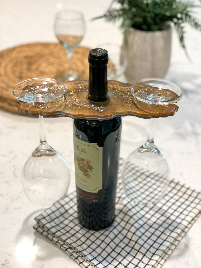 Make a DIY wine glass holder with EasyCast resin! This mixed metallics resin project is gorgeous and makes a great gift, too!