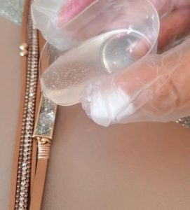 fix jewelry with resin